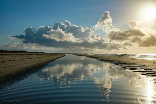 2018 usa southcarolina charleston summer sunny tourism tourist southeast beach sunrise clouds godrays coast ocean waterfront happiness hope tidepool reflection