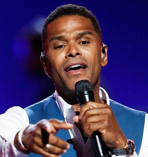 Maxwell: 50 Intimate Nights Live at the Dr. Phillips Center