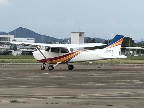 トライスター航空 Cessna 172M Skyhawk JA3677 E6656C47-34F2-4D42-99DA-BDFFE293D7E9