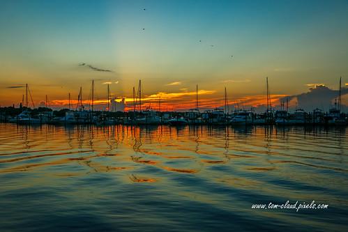 sun sunrise morning dawn weather clouds cloudy horizon marina boats dock water river saintlucieriver nature mothernature reflect reflection stuart florida usa