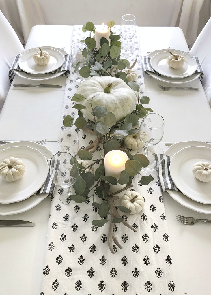 Neutral Fall Decor Dining Room
