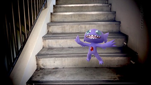 302 Sableye (position=right)