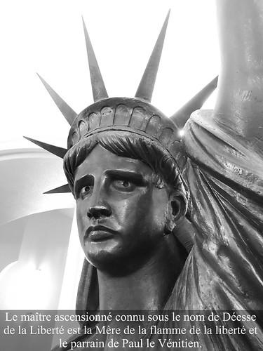 Focus sur la Flamme de la Liberté..Le maître ascensionné connu sous le nom de Déesse de la Liberté est la Mère de la flamme de la liberté et le parrain de Paul le Vénitien.