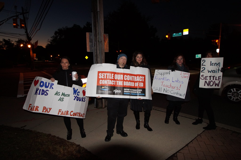 Franklin Lakes EA protests second year without a contract