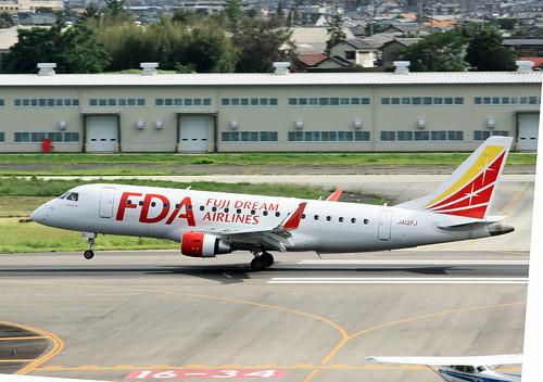 FDA フジドリームエアラインズ ERJ-175 JA12FJ IMG_7933_2
