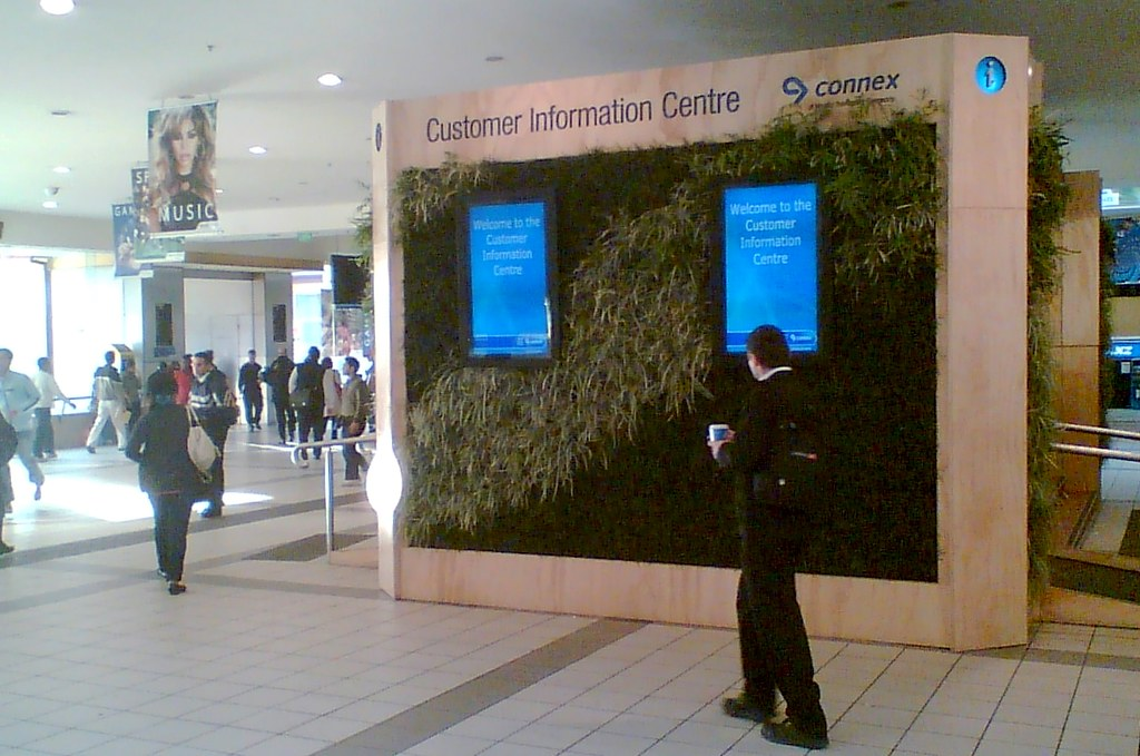 Connex information centre at Flinders Street Station, September 2008