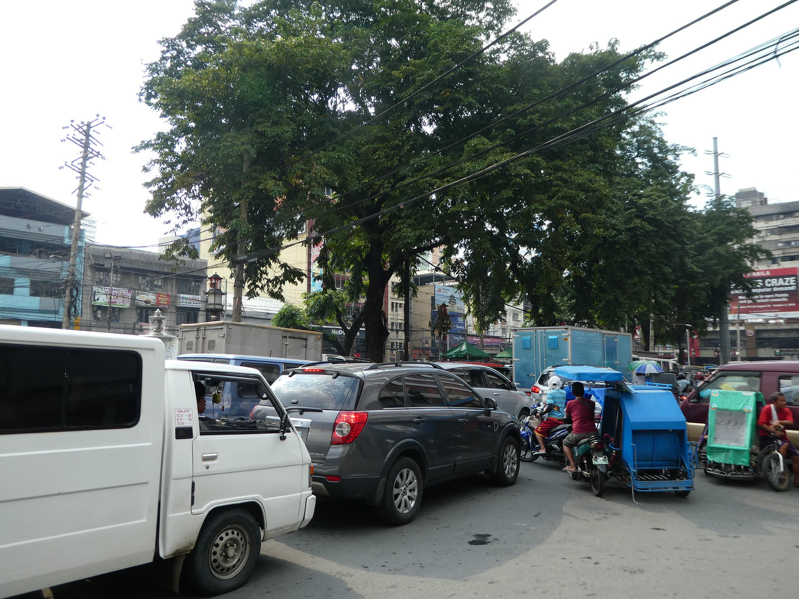 Traffic chaos in Chinatown, Manila