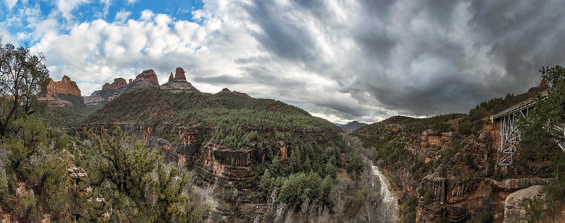 Sedona panorama from Midgley Bridge