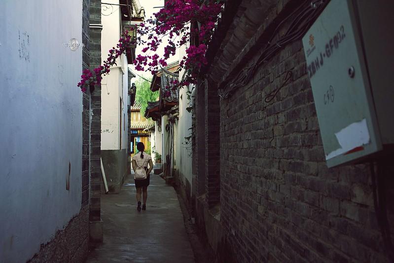【雲南麗江古城】微光中的清晨散策 | 體驗在地早市