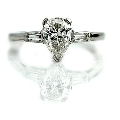 Vier atemberaubende Marquis Verlobungsringe