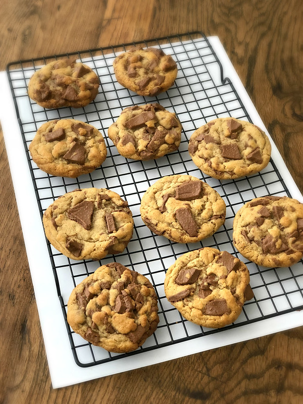 Eggless Chocolate Chunk Cookies