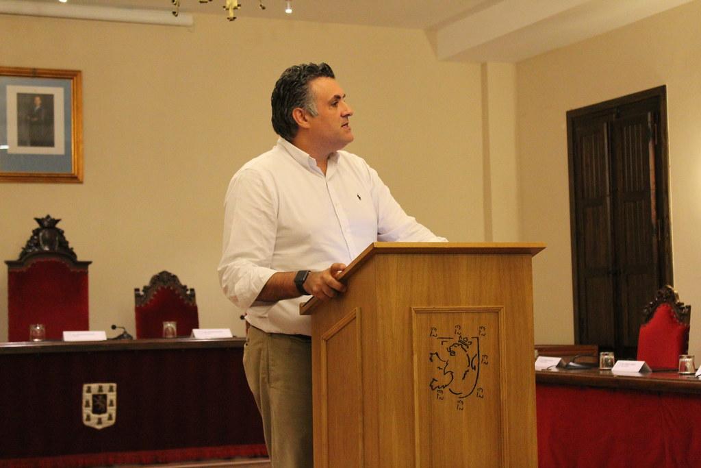 Mamen Yerpes presenta su renuncia al cargo de Concejal en el Ayuntamiento de Coria