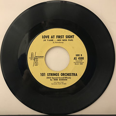 101 STRINGS ORCHESTRA:LOVE AT FIRST SIGHT(JE T'AIME... MOI NON PLUS)(RECORD SIDE-B)