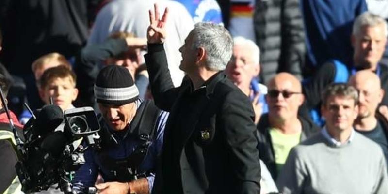 Sarri: Penggemar Chelsea harus menghormati Mourinho