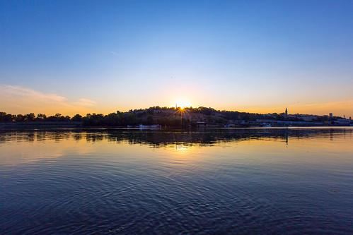 belgrade serbia beograd canoneos5dmarkiii canon 5d3 5diii canon1635mmf28lii 1635mm sunrise sun dawn kalemegdan belgradefortress betonhala savariver river