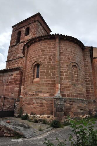 Hijes (Guadalajara-España). Iglesia. Ábside y torre