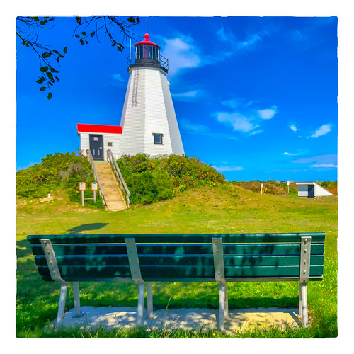 lighthouse large bench 0918 gurnetpoint sky 2018 monday plymouth massachusetts unitedstates us