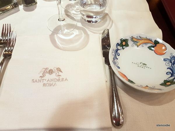 Ristorante Sant'Andrea napkins and plates
