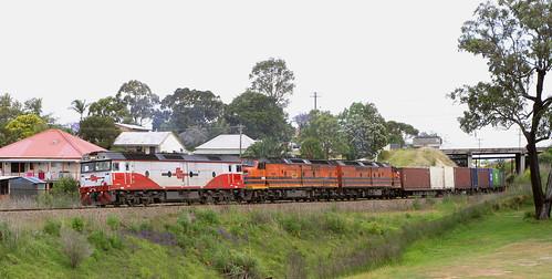 G533 + CLP10 & CLF1, MB7 TELARAH 6th Nov 2008.