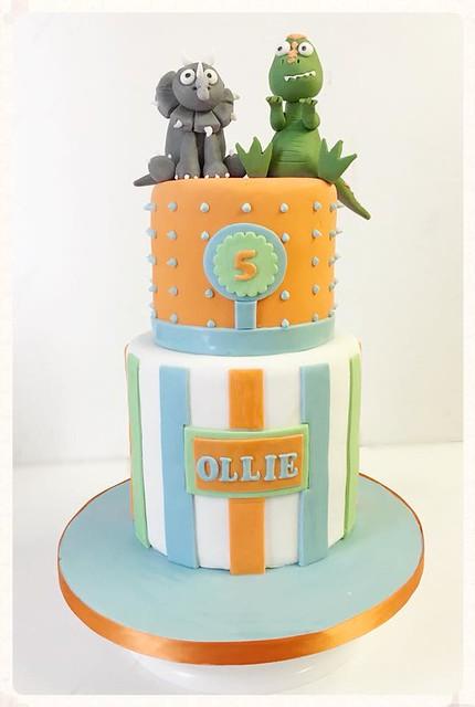 Cake by Belles Bakes