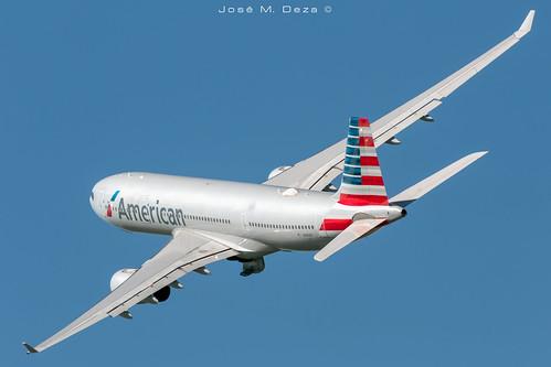 American Airlines A330-243 N293AY