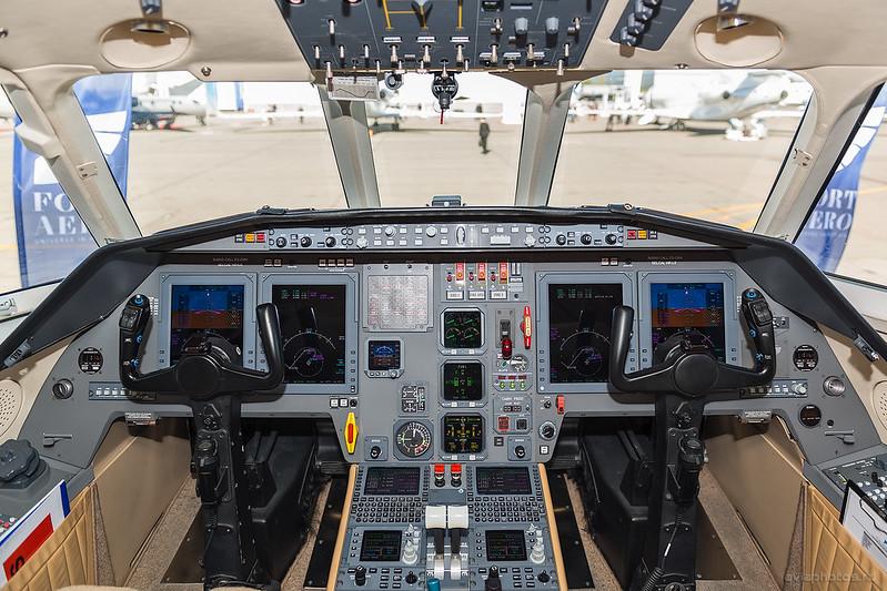 Dassault_Falcon2000_ES-CKH_FortAero_151_D801917