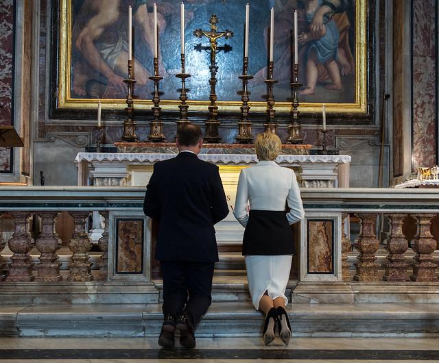 Msza Święta przy grobie św. Jana Pawła II z udziałem Prezydenta PR Andrzeja Dudy