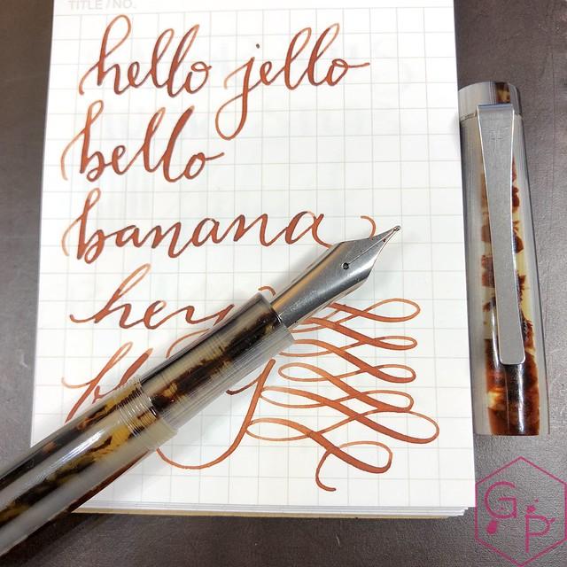 Unboxing Faggionato Petrarque Le Majestic Fountain Pen 3