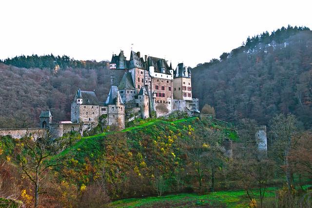 Burg Eltz (320m), Wierschem (Rheinland-Pfalz) - Germany* (0436)