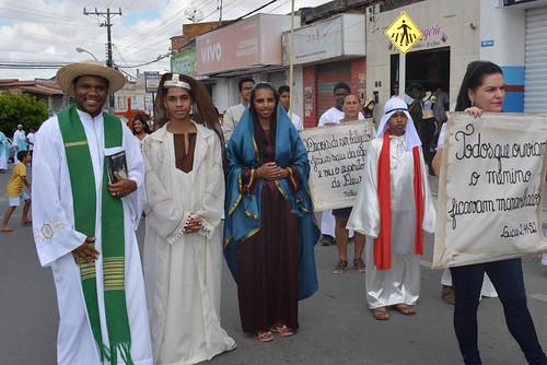 Dia da Bíblia é celebrado com desfile e missa campal em Santaluz