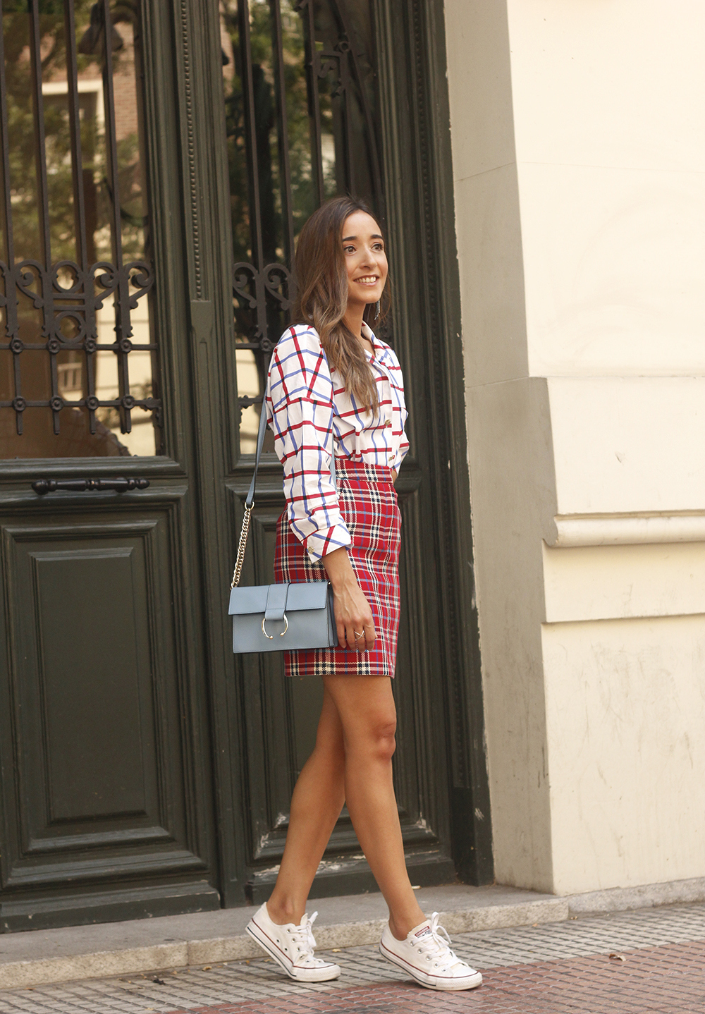 check skirt check shirt converse autumn outfit street style 201801