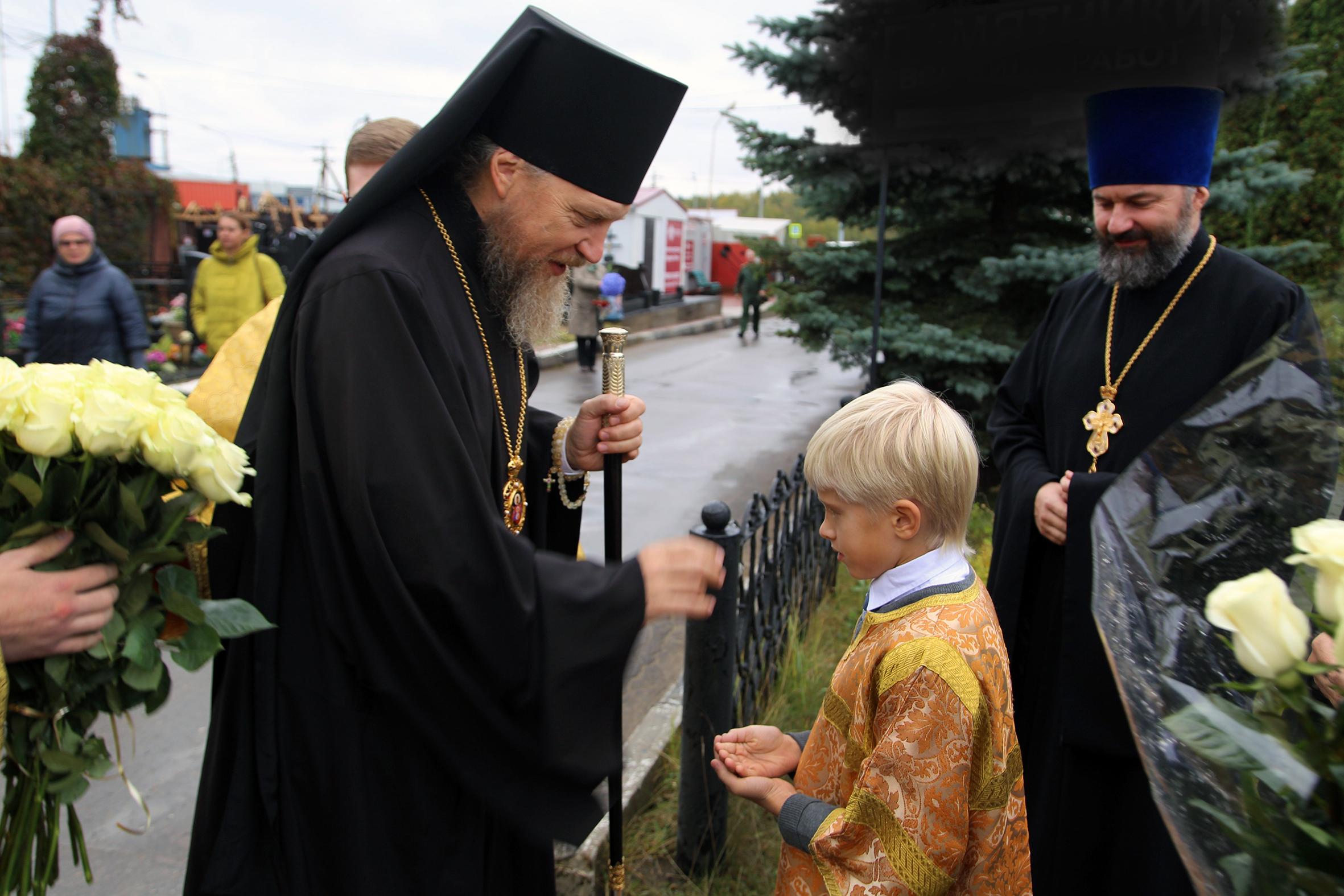 Управляющий викариатством возглавил Божественную литургию в храме cвятителя Иннокентия, митрополита Московского, в Ракитках