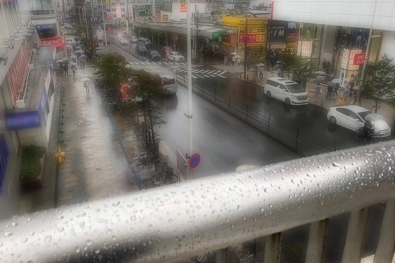 雨の街-2
