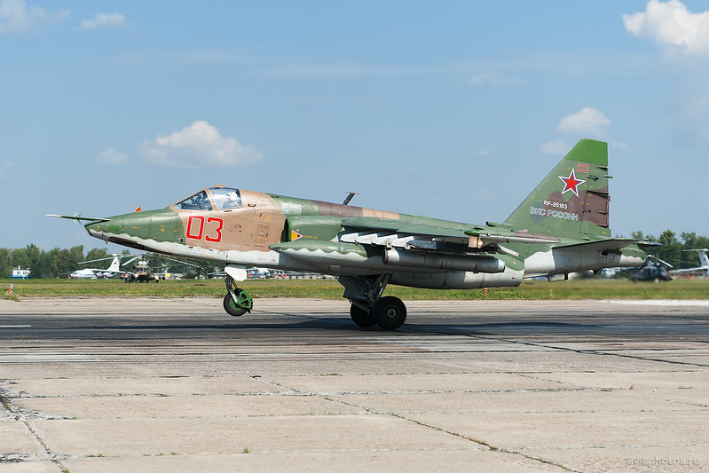 Sukhoi_Su-25SM_RF-95183_03red_Russia-Airforce_133_D704766