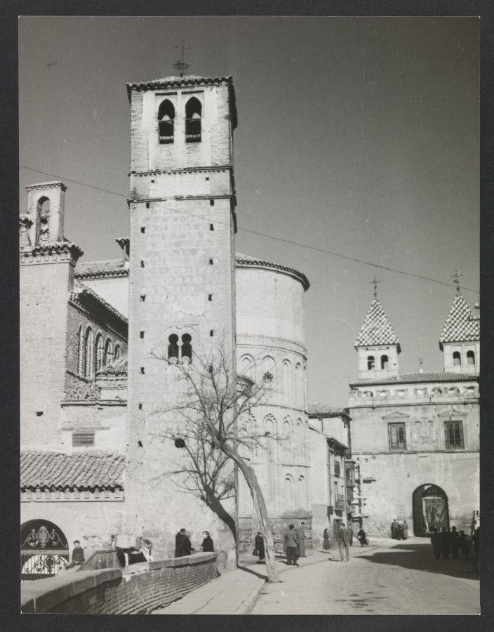 Iglesia de Santiago del Arrabal. Fotografía de Yvonne Chevalier en 1949 © Roger Viollet