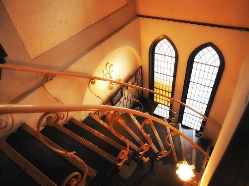 イケフェス・ギャラリー再会_2階階段