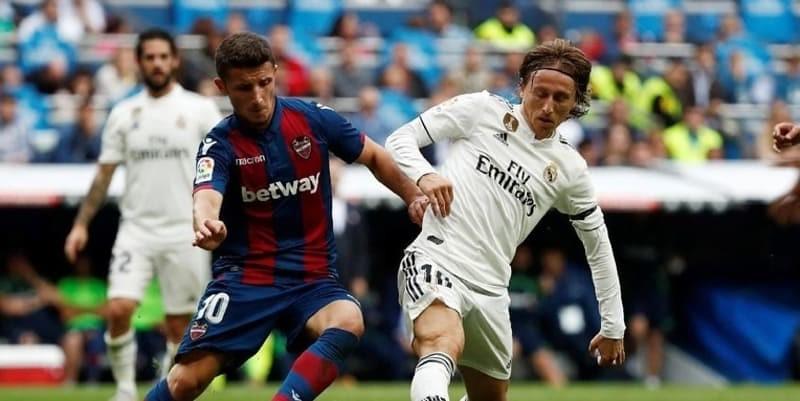 Madrid Makin Hancur Setelah Dikalahkan Levante Dirumah Sendiri
