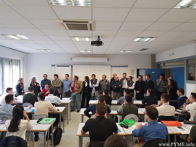 Los antiguos alumnos de SENASA, pertenecientes a la VII Promoción, visitan la Escuela de Pilotos Adventia