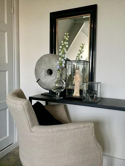 Sidetable ornament vaas met bloem glazen box