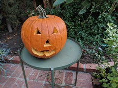 Poesy's jack o'lantern, the house, Burbank, California, USA