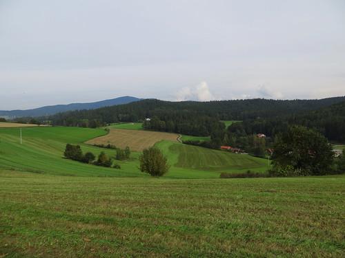 20170928 01 642 ostbay Berge Feld Wald Wiese Herbst Bäume