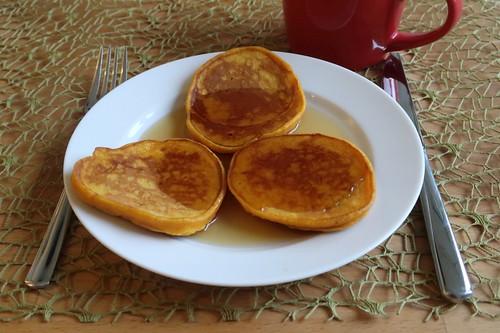 Kürbispfannkuchen mit Ahornsirup