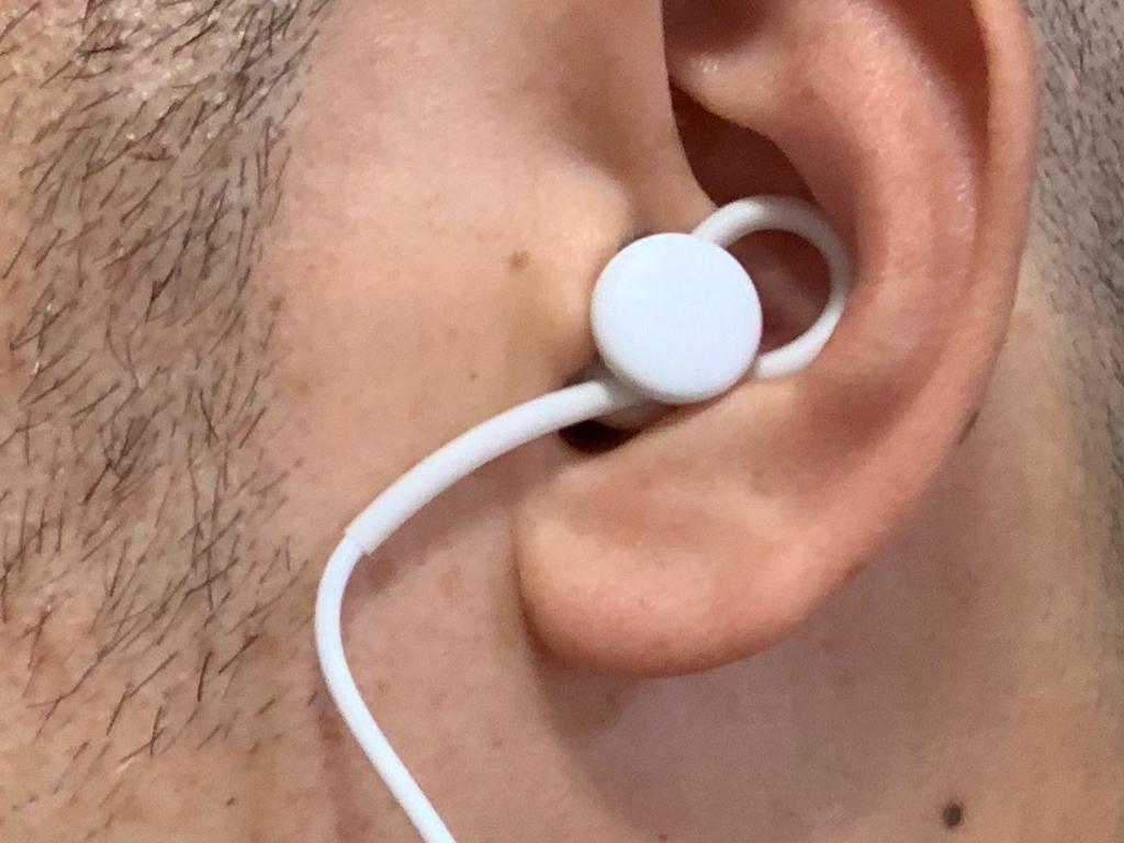 google-pixel-usb-c-earbuds-02a