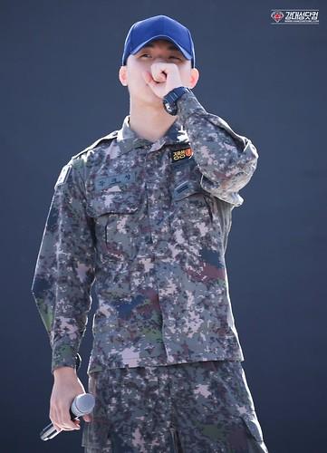 Taeyang Daesung Ground Forces Festival Korea 2018-10-08 (9)