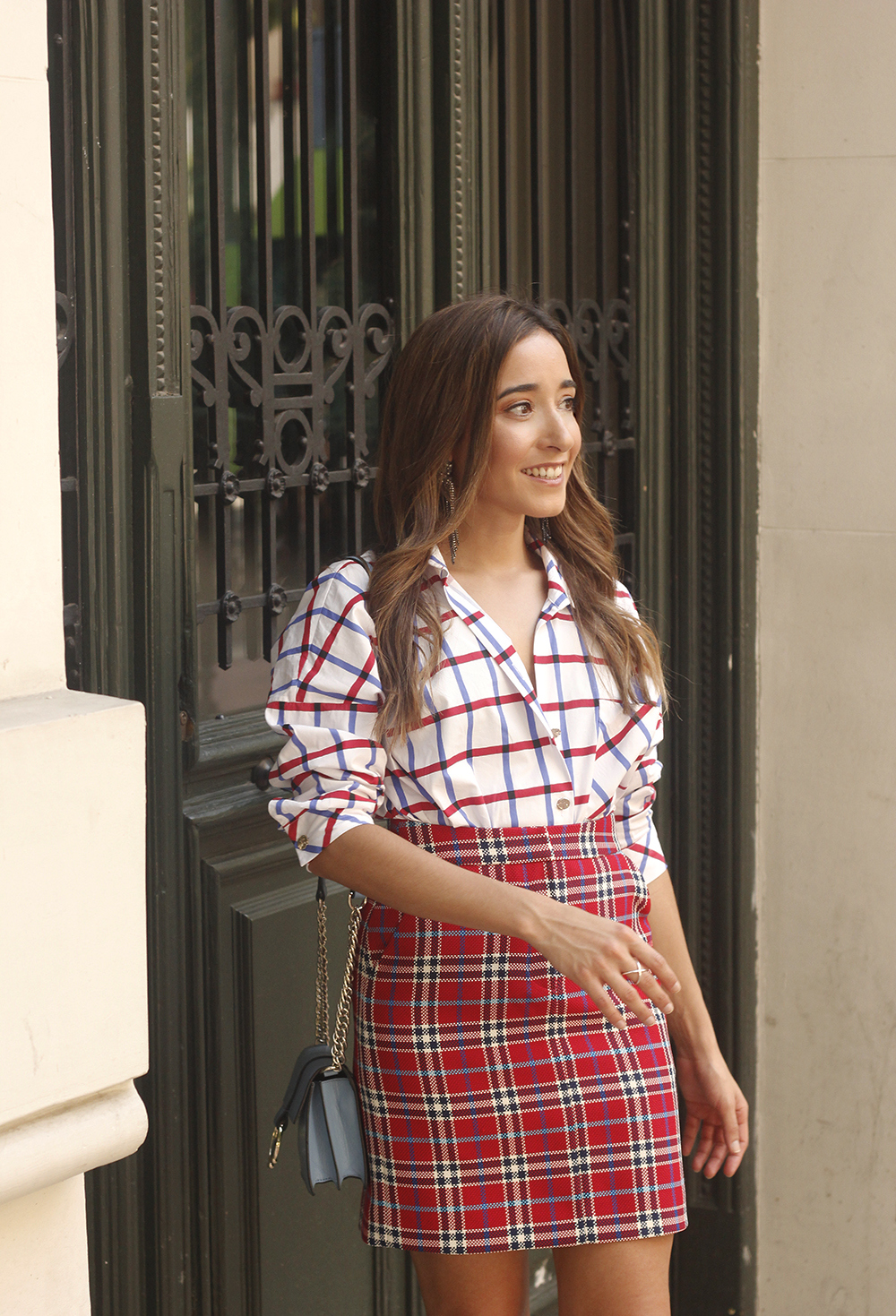 check skirt check shirt converse autumn outfit street style 201807
