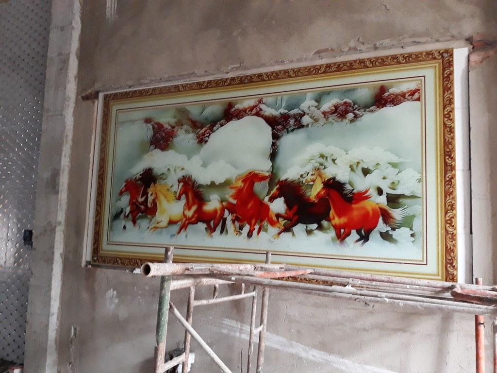 Tranh kính cường lực 3D: Mã Đáo Thành Công TKZ-002 tại nhà cô Thoan - phường Thạnh Lộc, quận 12