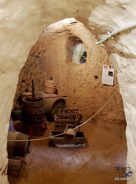 Descubre las Cuevas de los Cien Pilares en Arnedo (10)