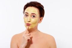 Dla co trzeciej Polki menopauza to zmarszczki i początek starości.