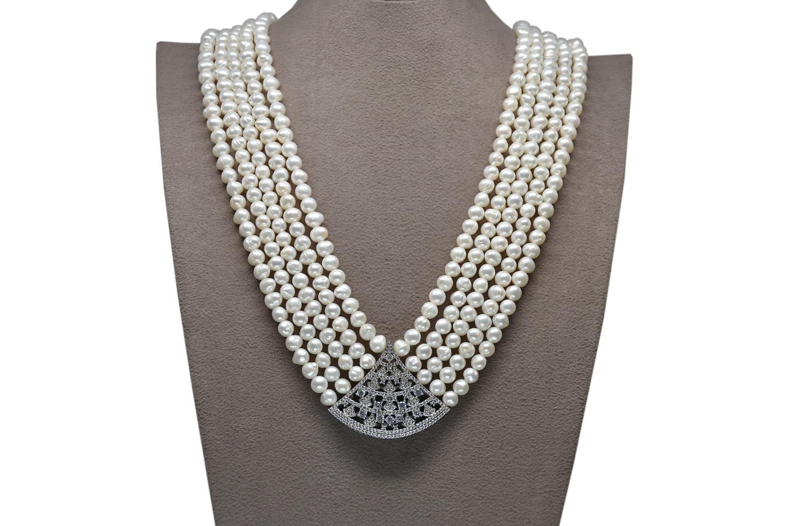- Ahsen 925K Gümüş Broşlu 5 Sıralı Doğal Beyaz inci Kolye AH-00116