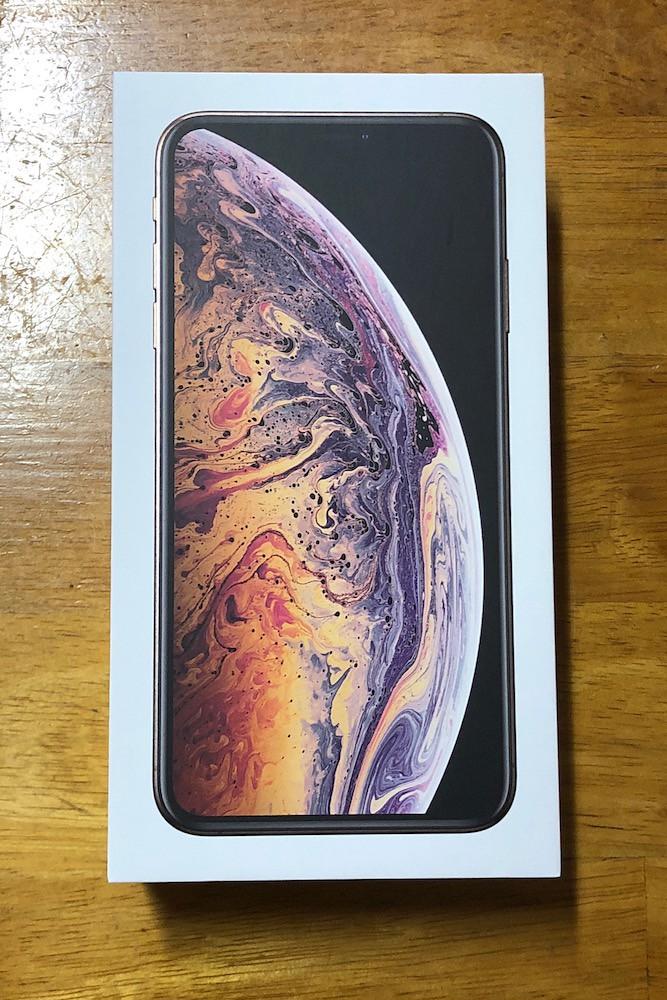 iPhoneXS Maxの外箱